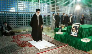 حضور رهبر معظم انقلاب در مرقد امام خمینی(ره)