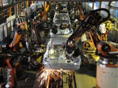 رشد ۱۰ درصدی تولید سواری در ایرانخودرو/ پیشتازی در تولید محصولات تجاری سنگین و نیمه سنگین